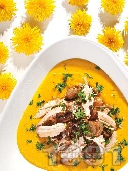 Задушено пилешко месо с гъби печурки в бяло вино и пюре от ябълки и картофи - снимка на рецептата